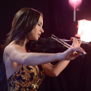 Violinistin und Bratschistin in Berlin buchen – Violinistin Katie